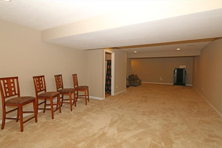 8514 Forest Valley Dr, Colerain, OH - USA (photo 3)