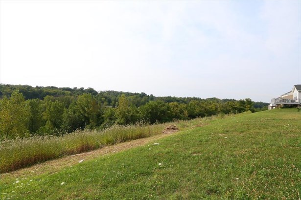 8514 Forest Valley Dr, Colerain, OH - USA (photo 5)