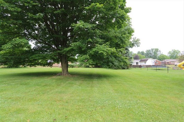 1426 Howell Rd, Beavercreek, OH - USA (photo 3)