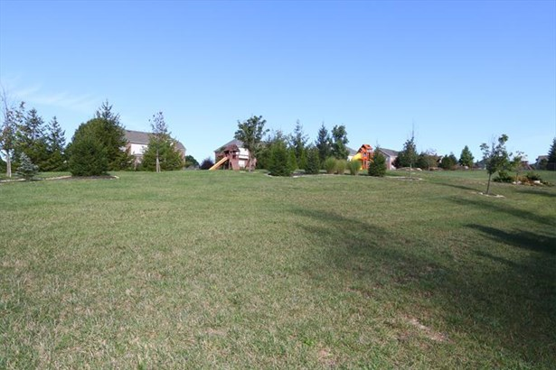 7284 Foxchase Dr, West Chester, OH - USA (photo 5)