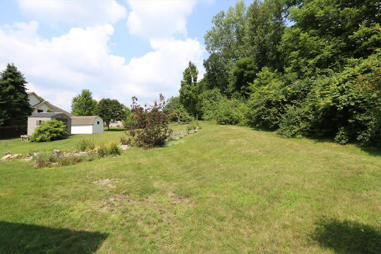 2435 Dutch Mill Dr, Fairborn, OH - USA (photo 3)