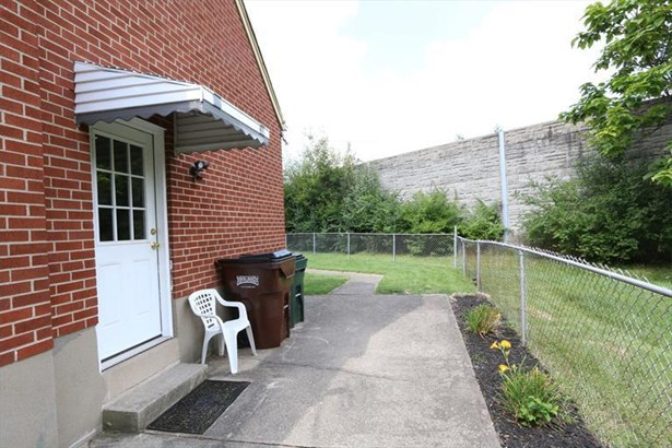7083 Mulberry St, Brookwood, OH - USA (photo 5)