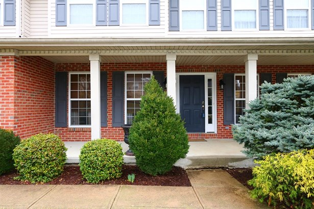 8240 Hamptonshire Dr , Cleves, OH - USA (photo 2)