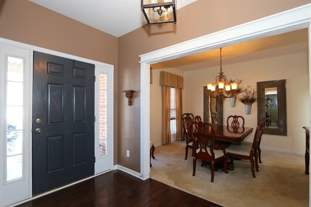 8240 Hamptonshire Dr , Cleves, OH - USA (photo 3)