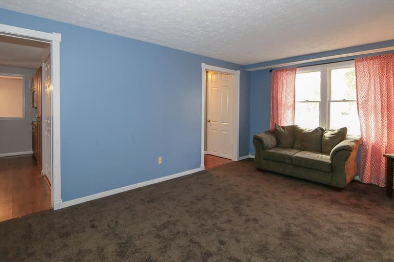 5774 Elmcris Dr, Day Heights, OH - USA (photo 5)