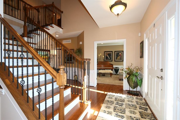 7284 Foxchase Dr , West Chester, OH - USA (photo 3)