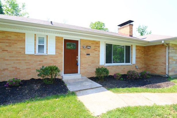 8625 Lynnehaven Dr , Amberley, OH - USA (photo 2)