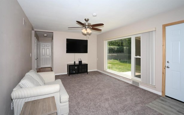 8625 Lynnehaven Dr , Amberley, OH - USA (photo 5)
