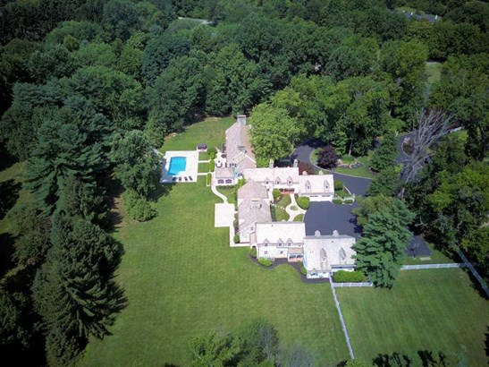 8065 Spiritwood Ct , Indian Hill, OH - USA (photo 1)