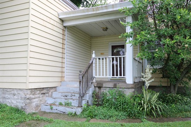 3330 Augusta Ave , Cheviot, OH - USA (photo 2)