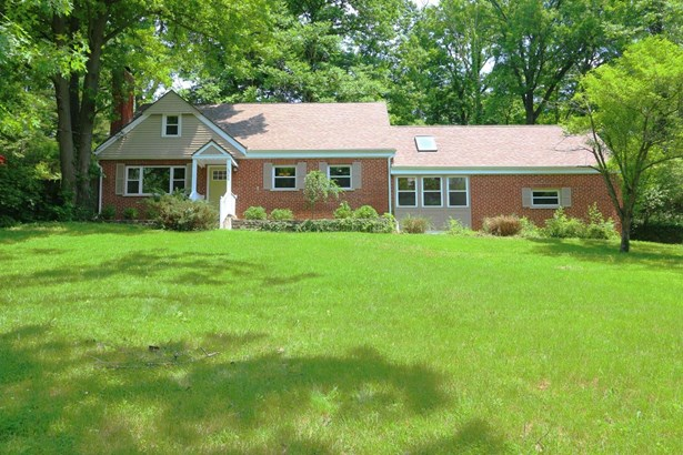 6566 Stewart Rd , Blue Ash, OH - USA (photo 1)