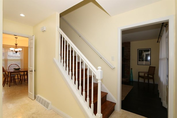 10115 Kingsport Dr , Evendale, OH - USA (photo 2)