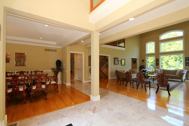 8327 Old Hickory Dr, Indian Hill, OH - USA (photo 4)