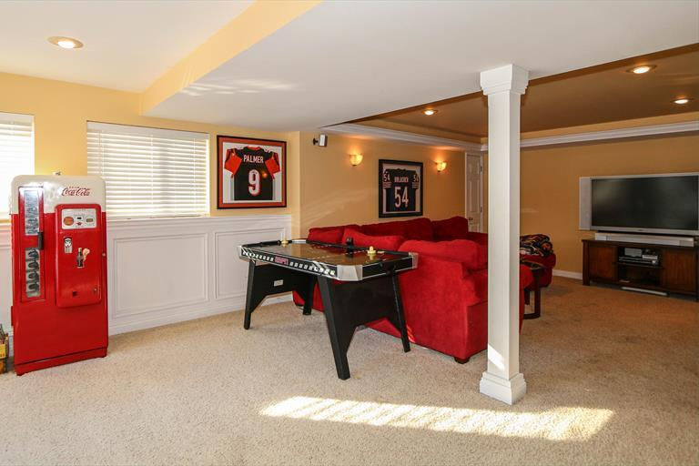 8240 Hamptonshire Dr, Cleves, OH - USA (photo 3)
