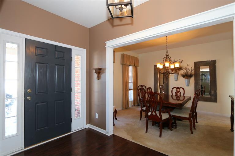 8240 Hamptonshire Dr, Cleves, OH - USA (photo 4)