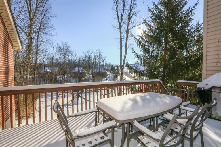 8240 Hamptonshire Dr, Cleves, OH - USA (photo 5)