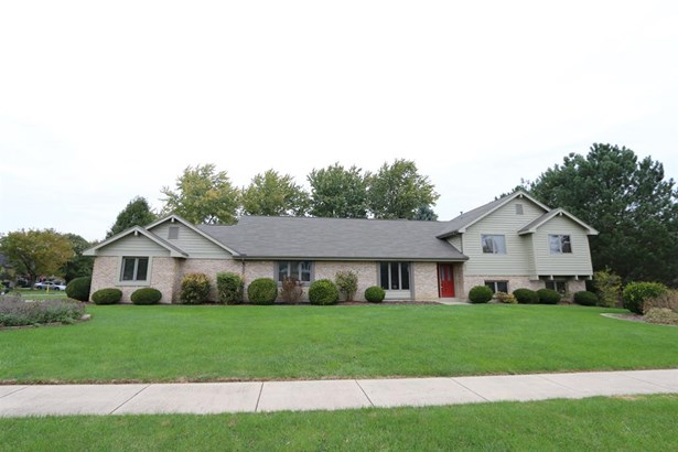 645 Burr Oak Dr , Tipp City, OH - USA (photo 1)