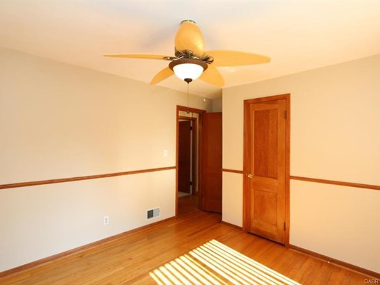 3237 Fairway Dr, Kettering, OH - USA (photo 4)