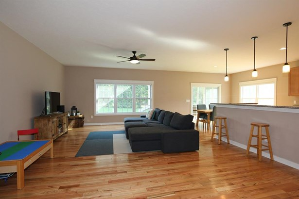 425 Stewart Dr , Yellow Springs, OH - USA (photo 5)
