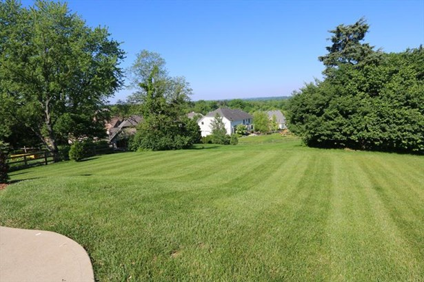 7916 Meadowcreek Dr, Anderson, OH - USA (photo 3)