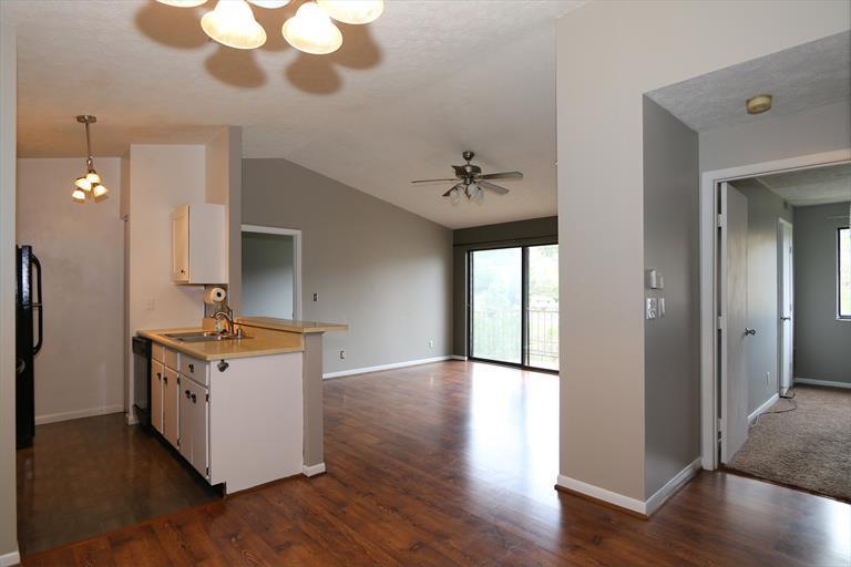 34 Woodland Hills Dr, 10 10, Southgate, KY - USA (photo 4)