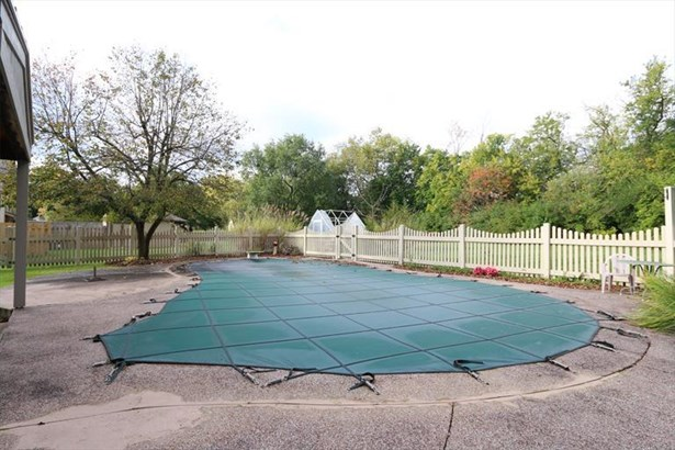 6760 Curtwood Dr, Tipp City, OH - USA (photo 4)