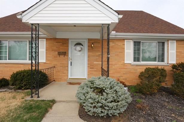 3690 Twinview Dr , Colerain, OH - USA (photo 2)