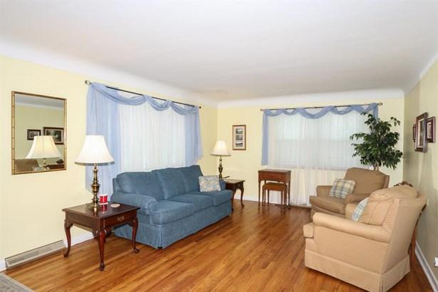 3690 Twinview Dr , Colerain, OH - USA (photo 3)