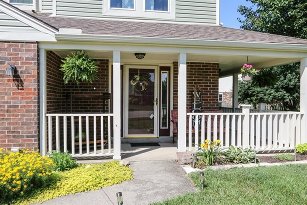 8965 Oakgate Ct , Huber Heights, OH - USA (photo 2)