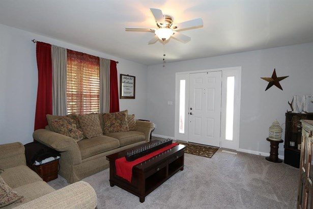 8965 Oakgate Ct , Huber Heights, OH - USA (photo 3)