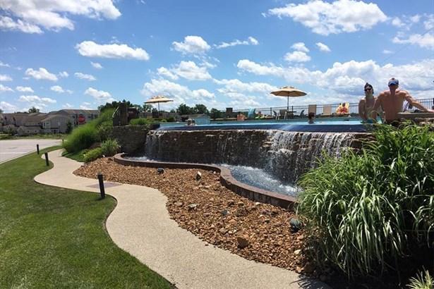 422 Breezewood Ct, Ludlow, KY - USA (photo 5)