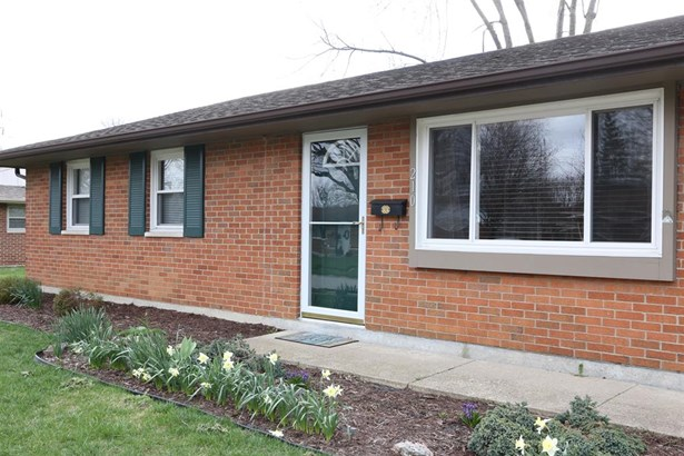 210 Silverstone Dr , Englewood, OH - USA (photo 2)