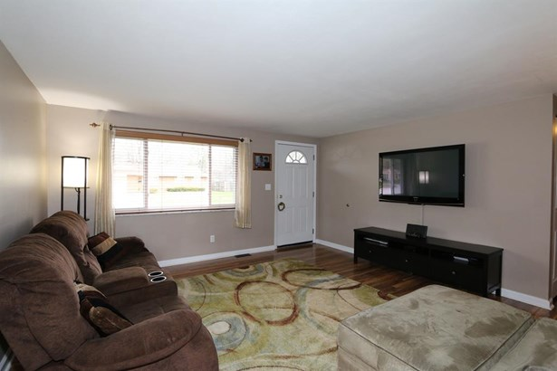 210 Silverstone Dr , Englewood, OH - USA (photo 3)