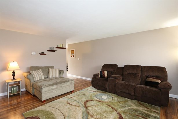 210 Silverstone Dr , Englewood, OH - USA (photo 4)