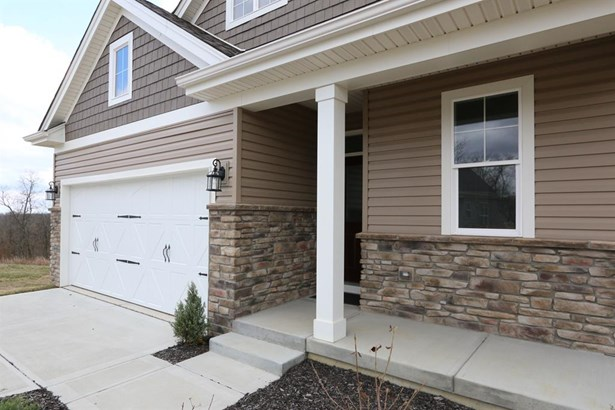 3377 Forestview Dr , Bridgetown, OH - USA (photo 2)