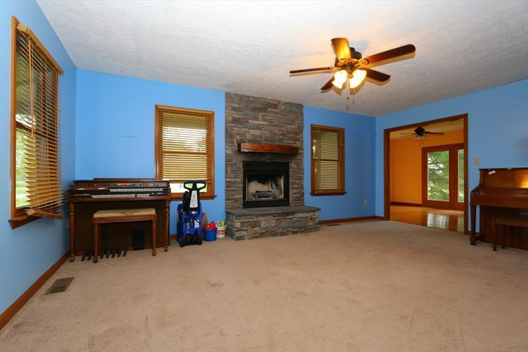 229 Moomaw Rd, Clarksville, OH - USA (photo 5)