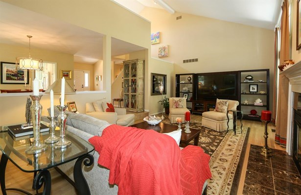 9855 Old Chimney Ct , Blue Ash, OH - USA (photo 5)