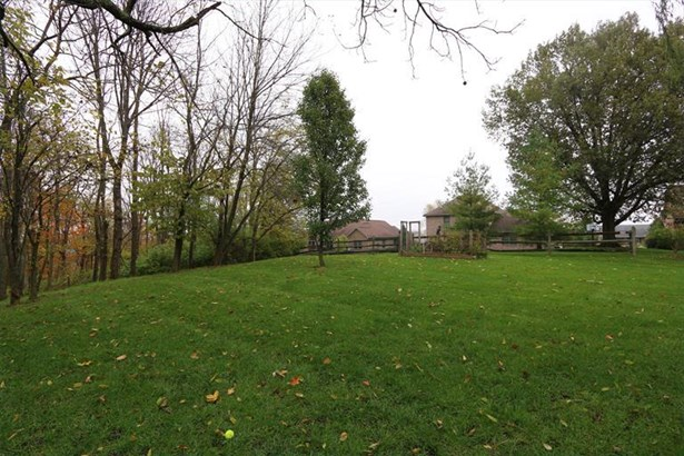 3330 Fox Run Dr, Hamilton, OH - USA (photo 3)