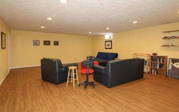 1369 Graceland Dr , Fairborn, OH - USA (photo 5)