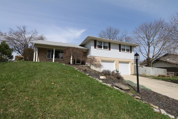 301 Zimmer Dr , Fairborn, OH - USA (photo 1)