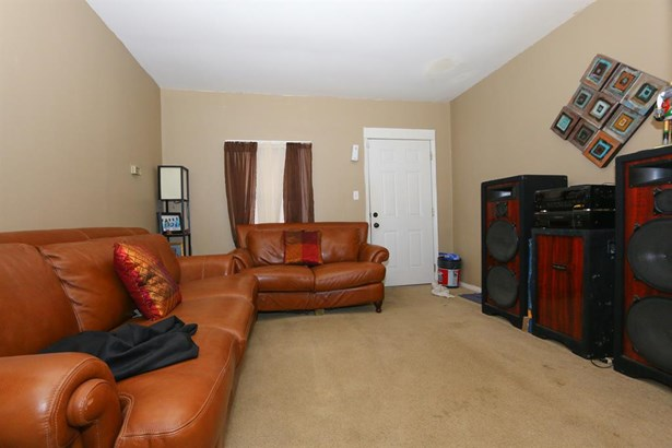 6415 Bauer Ave , North College Hill, OH - USA (photo 3)