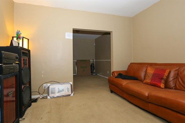 6415 Bauer Ave , North College Hill, OH - USA (photo 4)