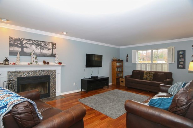 5930 Woodspoint Dr , Day Heights, OH - USA (photo 3)