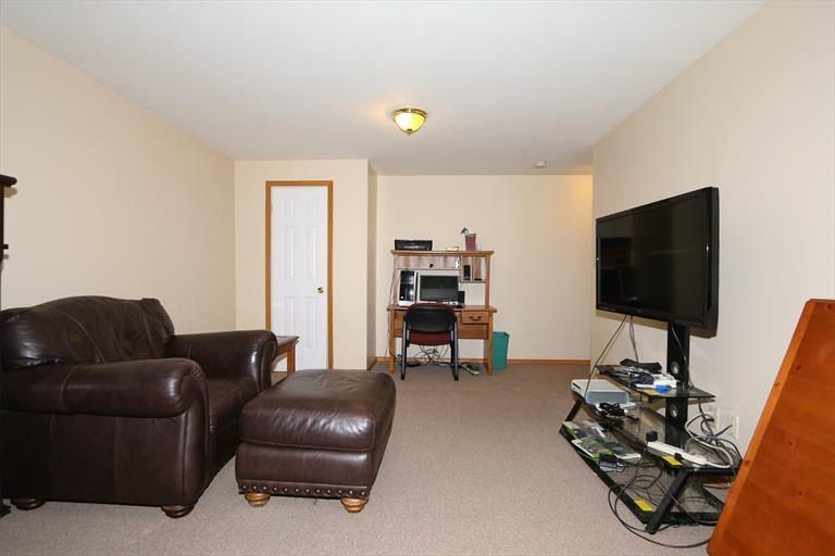 5675 Chestnut View Ln, Day Heights, OH - USA (photo 3)