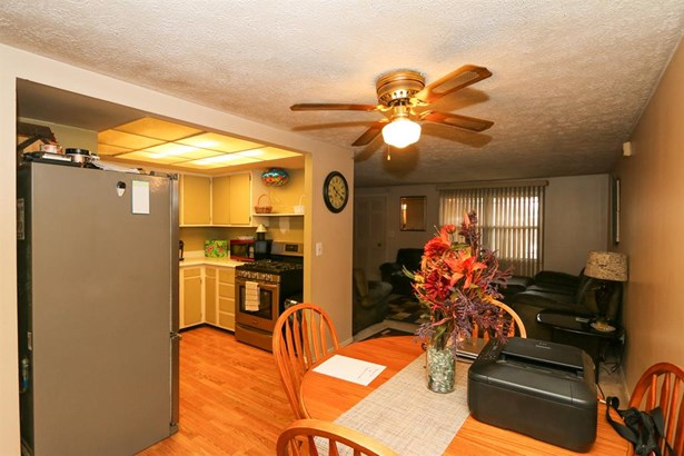 6706 Longford Rd , Huber Heights, OH - USA (photo 5)