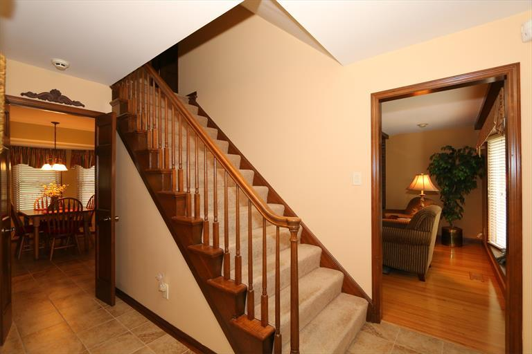 9611 Otterbein Rd, Evendale, OH - USA (photo 3)