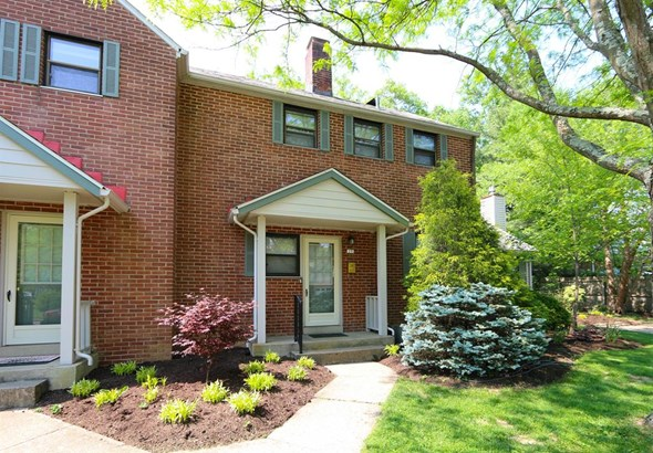 27 Ashby St , Greenhills, OH - USA (photo 1)