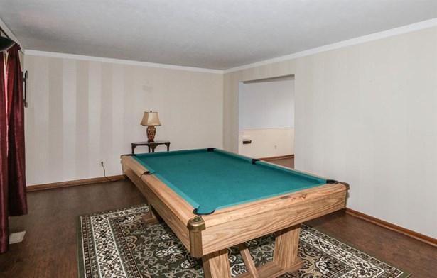 2525 Timber Oak Cir , Kettering, OH - USA (photo 3)
