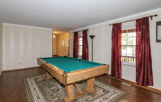 2525 Timber Oak Cir , Kettering, OH - USA (photo 4)