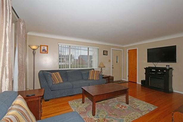 5637 Lawrence Rd , Cincinnati, OH - USA (photo 3)